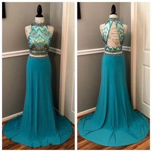 NEW MADISON JAMES SZ 16 TWO PIECE BLUE BEAD GOWN